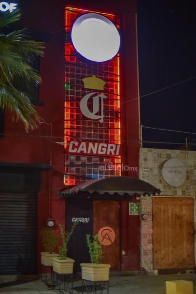 Por disposición de las autoridades, todos los bares, cantinas y otro tipo de sitios de entretenimiento nocturno se encuentran cerrados para evitar contagios, pues cada fin de semana concentran una gran cantidad de personas; de no acatar la disposición, el Estado informó que se aplicarían sanciones.