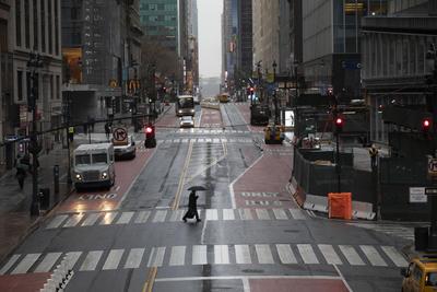 Las calles de la ciudad lucen vacías.