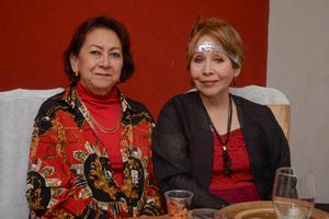 20032020 DISFRUTAN DE FIESTA.  Mary y Juana María.