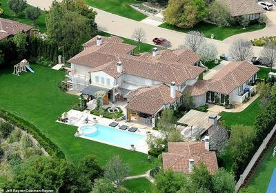 13. Khloe Kardashian (7.2 millones de dólares)