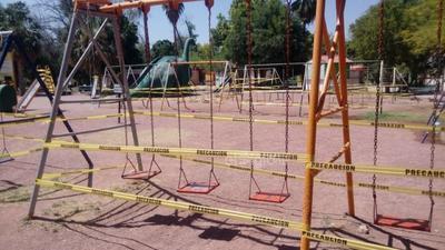 Sanitizan edificios y espacios públicos de Torreón