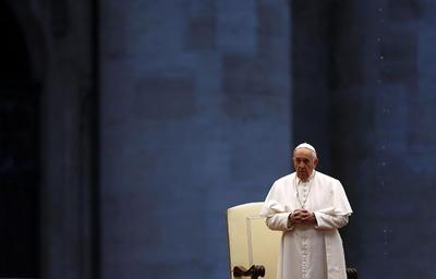 El pontífice dio la bendición 'Urbi et Orbi'.