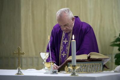Mediante esta oración, los más de mil 300 millones de católicos pudieron recibir el perdón a todos sus pecados.
