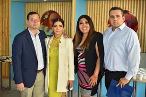 28032020 RECIBEN RECONOCIMIENTO POR ALTRUISMO.  Francisco, Karina, Sandy y Gerardo.