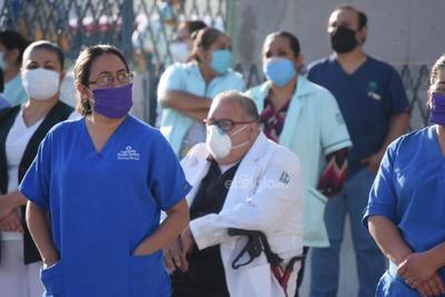 Cuestionaron por todo el material donado por el municipio, estado y empresas, porque no han llegado a los trabajadores.