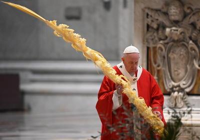 Esta ocasión, el Sumo Pontífice estuvo escasamente acompañado.