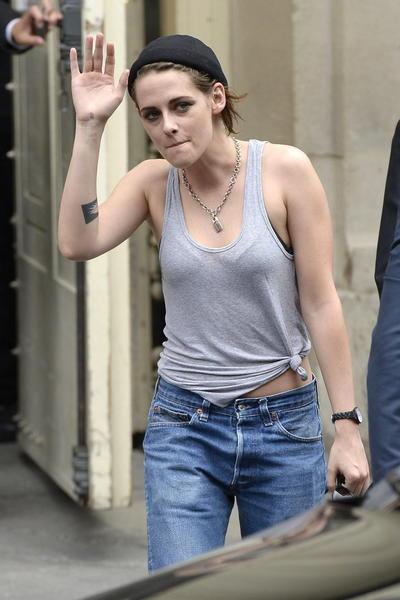 También es recordada por su aparición en la cinta La habitación del pánico, junto a la actriz Jodie Foster en el 2002.