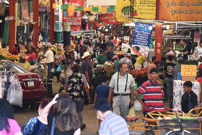 Los marchantes alegaban que para ellos es una tradición acudir a adquirir sus alimentos a este sitio porque los precios son más baratos, además de que en los supermercados les condicionan sus compras.