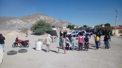 Cabe señalar que un grupo de vecinos de la colonia Las Brisas y Las Luisas se concentraron para manifestarse y exigir que exista un verdadero control de los residuos que son depositados en el cañón.