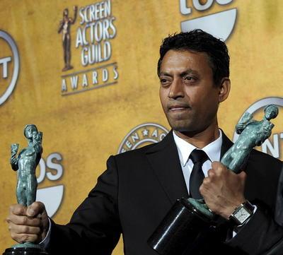 """El actor alcanzó el estrellato en el cine indio y se labró una sólida carrera fuera de su país. Apareció en otras cintas de proyección internacional como """"Jurassic World"""" (2015), o """"Inferno"""" (2016), además de protagonizar decenas de películas de Bollywood."""