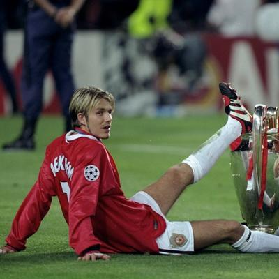 El siguiente paso de Beckham fue una bomba publicitaria más que deportiva a sus casi 32 años de edad. Dejó Europa en 2007, para fichar con el LA Galaxy de la MLS. Pero fue un ir y venir en calidad de préstamo al AC Milán, hasta que en 2013 se marchó al París Saint-Germain, donde fue parte de un título liguero.