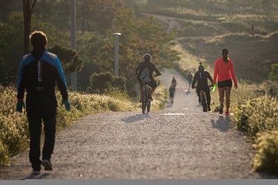 Desde el pasado domingo ya podían salir a pasear una hora diaria los menores de 14 años, acompañados de un adulto.