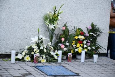 Rinden homenaje a enfermera asesinada junto a sus hermanas en Torreón