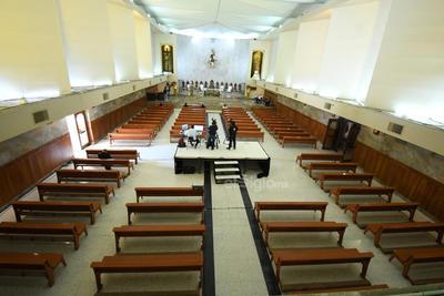 Asimismo, las iglesias de la región tuvieron que recurrir a transmitir sus misas vía livestream, en mensajes virtuales que llegan hasta los hogares de los feligreses.