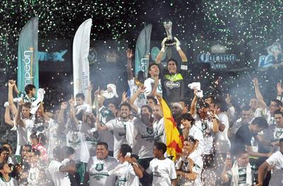 El Clausura 2012 fue un torneo redondo para los Guerreros. Con Benjamín Galindo como director técnico, Santos finalizó el torneo en la cima de la clasificación con 36 puntos, tras 11 victorias, tres empates y tres derrotas y con la mejor ofensiva con 33 goles.