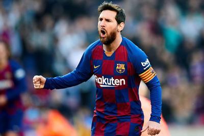 El astro del Barcelona, Lionel Messi, se quedó cerca del portugués, con 104 mdd. La Liga de España regresará a sus actividades en un par de semanas.