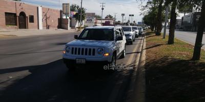 Laguneros exigen renuncia de AMLO con caravana vehicular