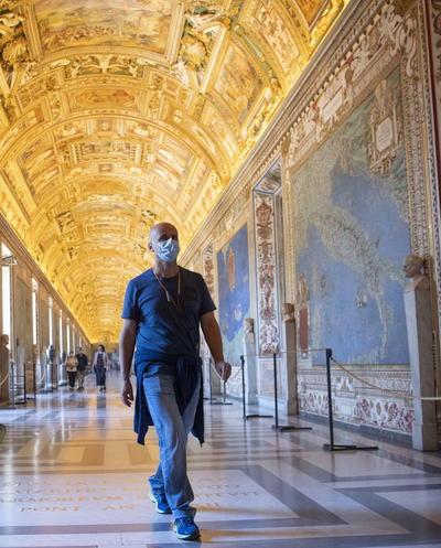 En todo el continente, las autoridades de los museos se regocijaron al volver a abrir sus puertas.