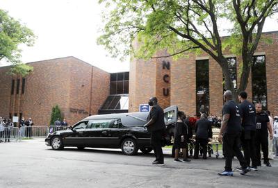 Dan último adiós a George Floyd en funeral público