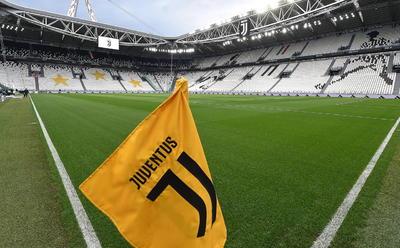 Regresa el futbol de Italia tras paro por pandemia de COVID-19