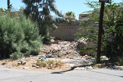 Inseguridad. Además del daño a la salud por la basura acumulada, los terrenos abandonados son propicios para hechos de inseguridad.