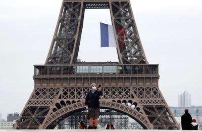 """""""Visitar París ahora es excepcional, pues claramente no tenemos muchos visitantes y no esperamos que este verano esté al mismo nivel que el previo"""", dijo Corinne Menegaux, directora de la Oficina de Negocios y Turismo de París."""