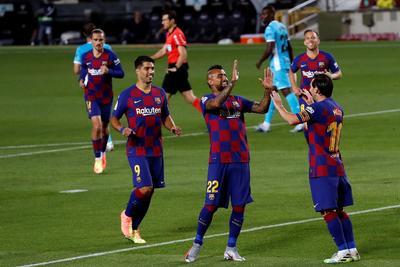 Con este resultado, Barcelona se cercioró de concluir como líder la 29na jornada del torneo, que se reanudó apenas la semana pasada. Llegó a 64 puntos, cinco más que el Real Madrid, que enfrenta mañana al Valencia.