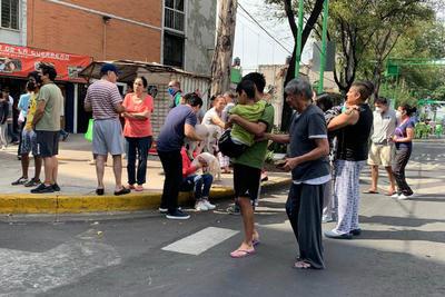 El gobernador del Estado de México, Alfredo del Mazo, informó que en la entidad se registraron cortes de energía eléctrica, pero no daños. Continúan los protocolos de revisión.