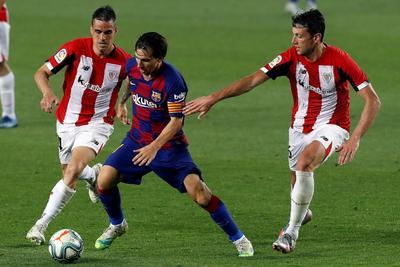 'Estoy muy feliz de poder ayudar al equipo a conseguir tres puntos muy importantes', dijo Rakitic. 'No es fácil, el Athletic lo ha hecho muy bien, han defendido muy bien… Al final lo importante es seguir sumando'.