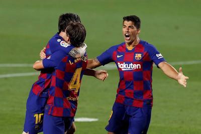 El croata convirtió su primera diana del curso tras una jugada rota, a la que dio nueva vida el astro Lionel Messi, cediéndole el esférico para que lo enviara a las redes con un derechazo a los 71 minutos.
