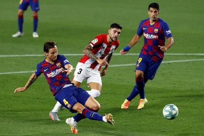 Hasta antes de la anotación, el Athletic de Bilbao había planteado un gran juego con el que desactivó al ataque culé. Los visitantes no tomaron la ventaja solo debido a los caprichos de la suerte en sus mejores acciones de la primera mitad.