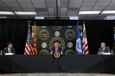 El pasado jueves, el Tribunal Supremo de EUA mantuvo en pie el programa de Acción Diferida Para los Llegados en la Infancia (DACA), creado en 2012 y que protege de la deportación a casi 650,000 'soñadores', pero Trump ha prometido que empezará de nuevo el proceso para acabar con esa medida.