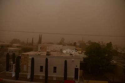 Las fuertes ráfagas de viento trajeron consigo tierra y polvo.