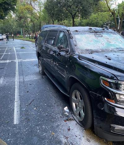 Un atentado contra el jefe de Seguridad de la Ciudad de México, Omar García Harfuch, derivó en su hospitalización y varios fallecidos y detenidos, según informó este viernes la alcaldesa capitalina, Claudia Sheinbaum.