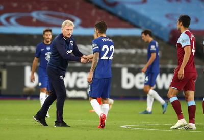 Leicester y Chelsea pierden y complican su pase a 'Champions' en Inglaterra