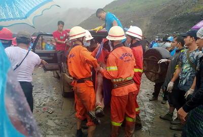 Las víctimas estaban extrayendo el codiciado jade de las laderas excavadas en el vasto complejo minero de Hpakant, una remota localidad situada en el estado Kachin.