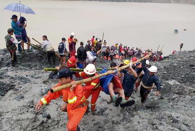 Al menos 162 personas han muerto este jueves en un accidente en la mina de jade más grande del mundo en el norte de Birmania, lo que ha puesto de relieve las penosas condiciones de trabajo de los mineros en una industria que mueve ingentes cantidades de dinero y con una corrupción rampante.