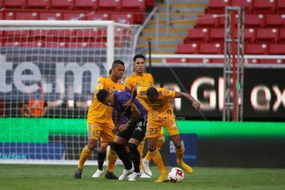 El Mazatlán volvió a generar ataque en el 72 con un centro en banda derecha de Mario Osuna que finalizó con un cabezazo al poste cortesía del venezolano Fernando Aristeguieta.