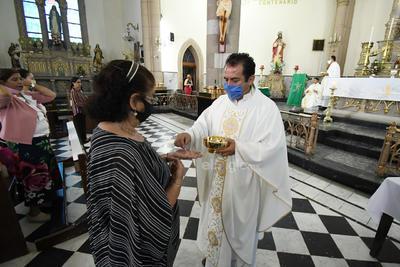 Con medidas sanitarias, reanudan misas presenciales en La Laguna de Durango