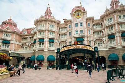 Disneyland París reabre sus puertas ante la pandemia