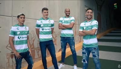 Presentan nuevo uniforme de los Guerreros