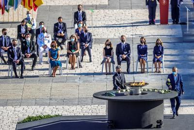 España recordó a las víctimas del coronavirus.