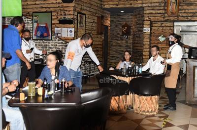 Inspección. Entre las inspecciones se verificó que los negocios cumplieran ciertas medidas como el espacio que debe haber entre las mesas.