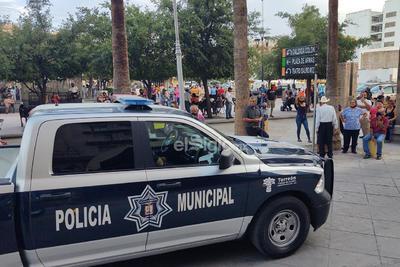 Autoridades dispersan baile en la Plaza de Armas en Torreón