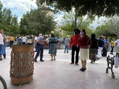 baile plaza de armas    baile plaza de armas