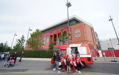 Antes de que el capitán Jordan Henderson levantara el trofeo, los Reds vencieron al Chelsea (5-3) en el penúltimo juego de la campaña. El Reino Unido ha confirmado 45 mil 318 muertes por complicaciones de Covid-19.?