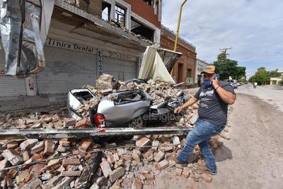 Al momento se encuentran trabajando elementos de Protección Civil del Estado, Protección Civil San Pedro, Bomberos San Pedro, Bomberos Torreón, Conagua, Guardia Nacional, Secretaría de Salud, Policía Civil del Estado y Fiscalía General del Estado.