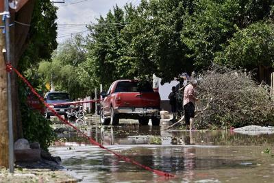 Derrumbe de árboles. Inundaciones, árboles caídos, derrumbe de fincas, la suspensión de la energía eléctrica, fueron los estragos que la tromba causó en San Pedro.