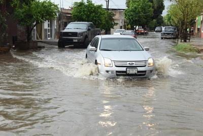 Lluvias en Matamoros. Ayer jueves también en el municipio de Matamoros se registró una lluvia con gran intensidad, la cual dejó solo encharcamientos en algunos puntos de la ciudad y en ejido del norte del municipio.
