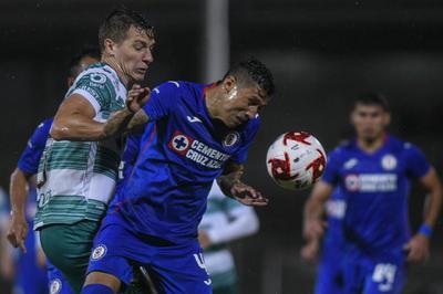 Santos debuta con derrota frente a Cruz Azul